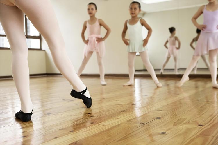 クラシックバレエ&モダンバレエサークル「Mai Happy Ballet&Dance」 新高円寺クラス