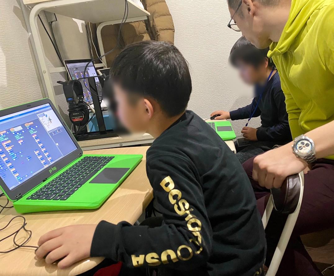小学生から始めるプログラミング教室「スモールトレイン」 五反田校
