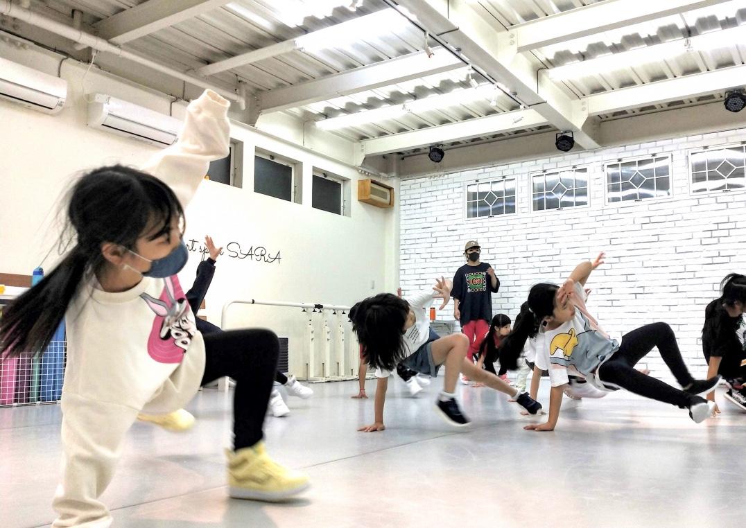 荒川区田端の少人数制、総合ダンススクール「art space SARA Dance Studio」 RiKAクラス