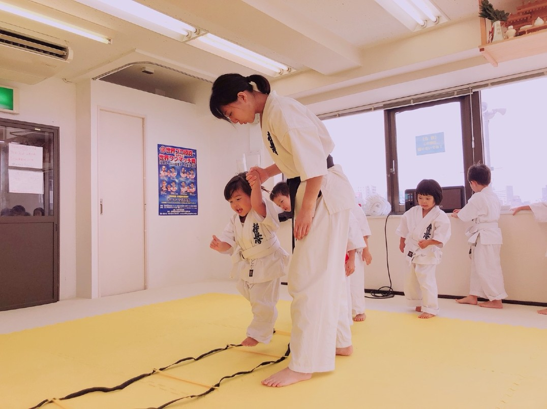 【女流空手家】キッズ・ビギナーにやさしい空手 中野坂上教室