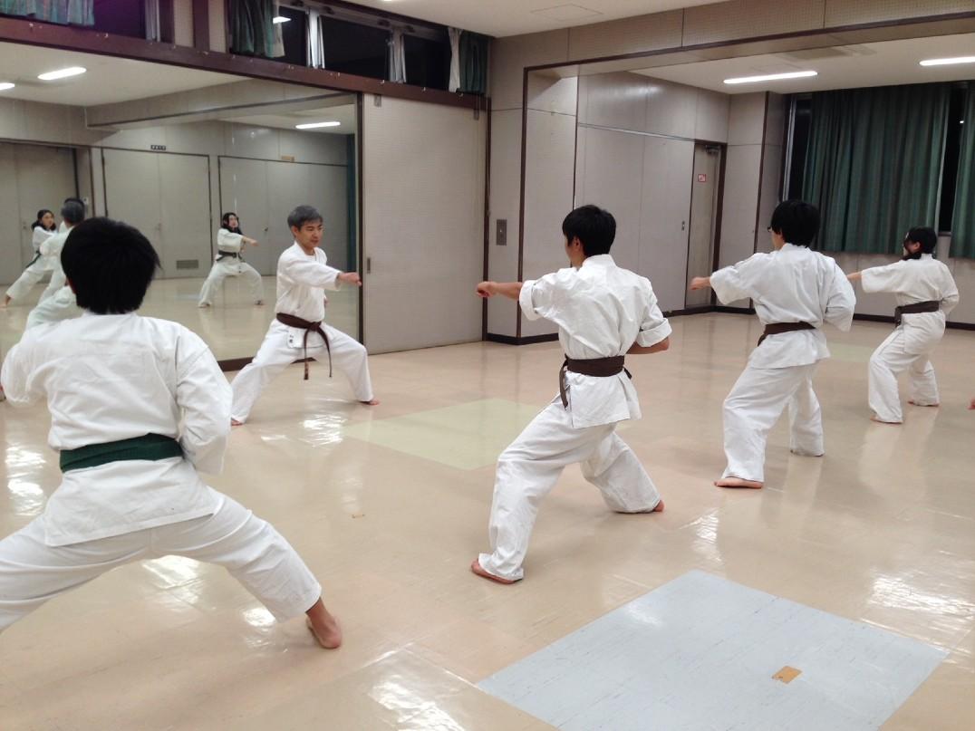 日本空手道明水会 新宿空手クラブ 葛飾区立新宿小学校体育館