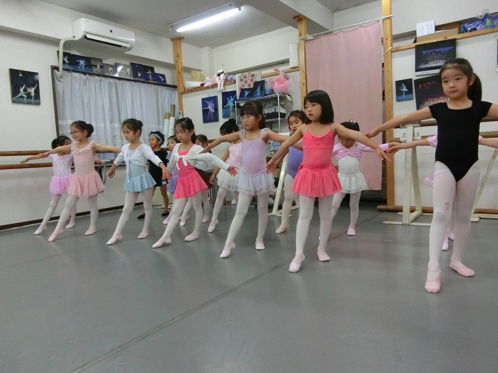 2歳から始めるプチクラスが大人気!沖田美延バレエスタジオ