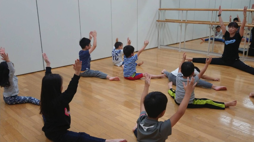 キッズダンス教室「Kid's Dance with easy English」 オンライン校