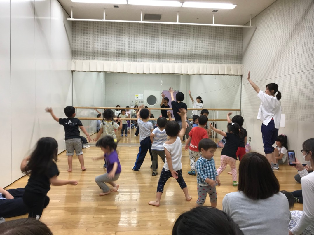 キッズダンス教室「Kid's Dance with easy English」